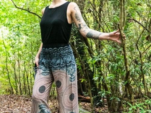thai pants, thailand pants, aladdin pants, yoga pants, Hippie Pants, Hippie Pants Women, Womens Hippie Pants, Festival Pants, Festival Clothing, Boho Pants, Music Festival Clothes Cotton Pants, harem pants, flowy pants, buddha pants, buddhist pants, meditation pants, yoga pants, pattern harem pants